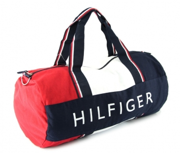 7220d492a74e9b Torby sportowe TOMMY HILFIGER wykonane z wysokiej jakości materiału.  Idealny prezent dla aktywnych Mężczyzn. Świetnie nadają się na siłownię, ...
